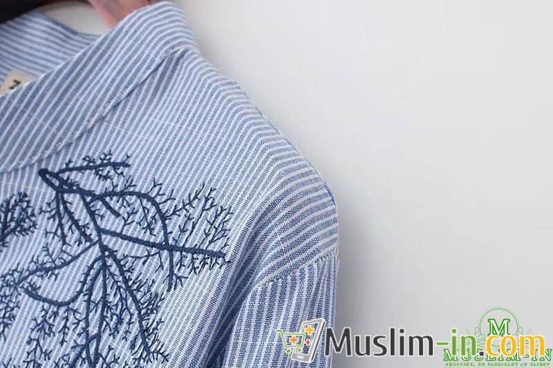 Chemise longue avec rayures et motifs 4