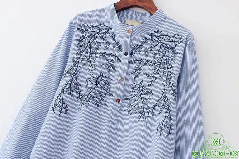 Chemise longue avec rayures et motifs 2