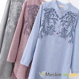 Chemise longue avec rayures et motifs
